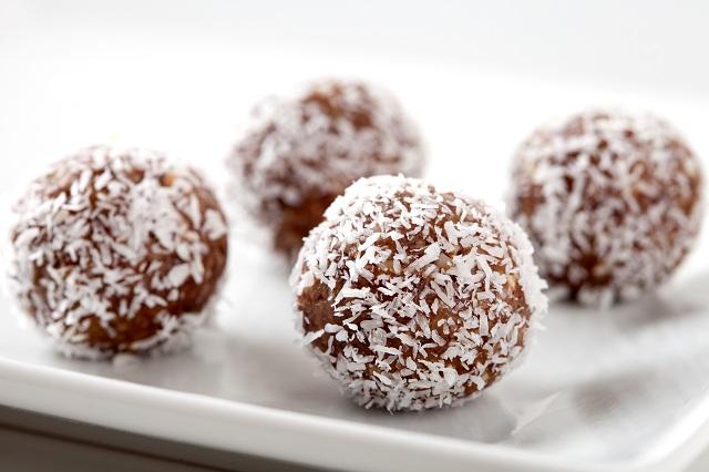 Плодови бонбони с ядки и кокос - 30 бр.